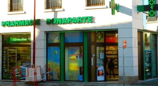 Pharmacy Bonaparte, nes pas.
